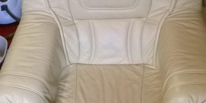 Curatat canapele si fotolii piele